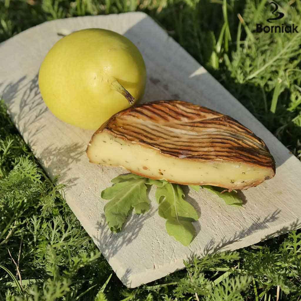 Wędzony ser Camembert